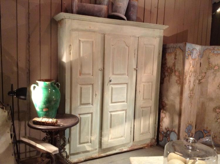 Green dream dresser