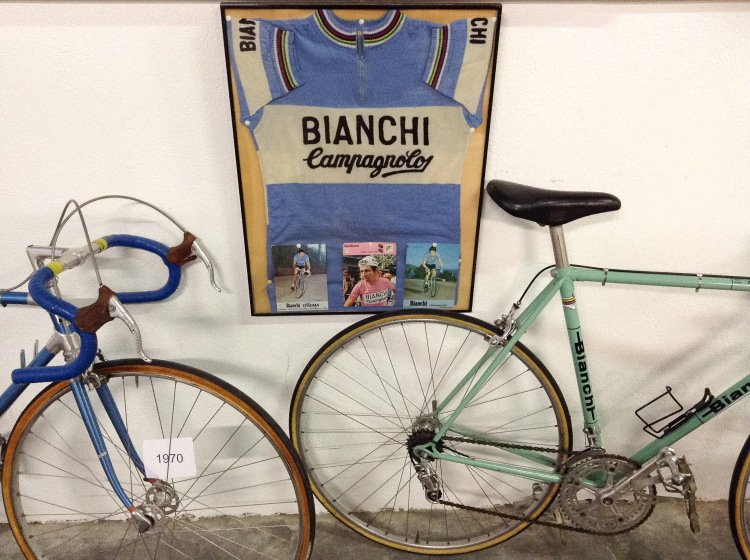 Bianchi blue